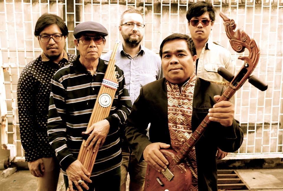 theparadisebangkokmolaminternationalband_0