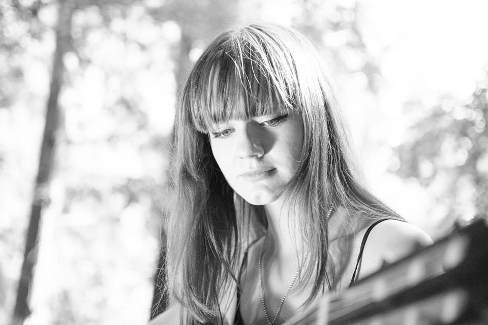 #CascăUrechea la Emma Niță